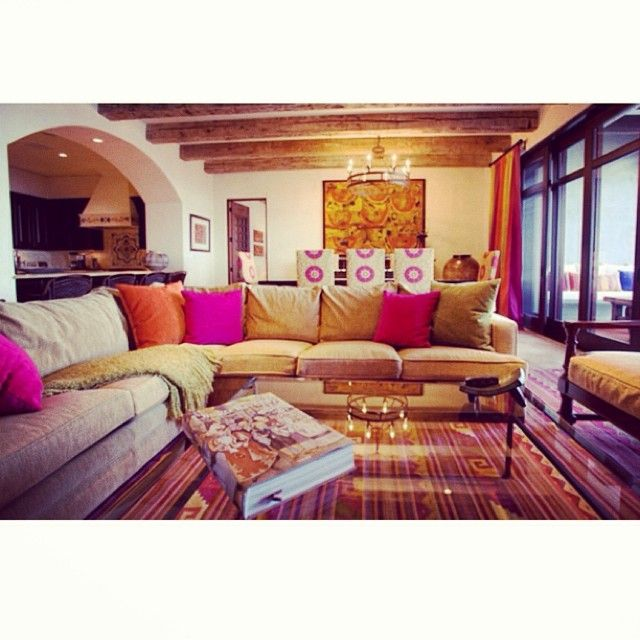 #mexicanstyle #livingroom #colorful #recessedlights #pillows #window #openspace #diningroom The post #mexicanstyle #livingroom #colorful #recessedlights #pillows #window #openspace … appeared first on BlinkBox.