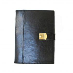 ade7dee0d5 Kožená spisovka so zámkom na kľúč č.8344 v čiernej farbe z kvalitnej a  odolnej