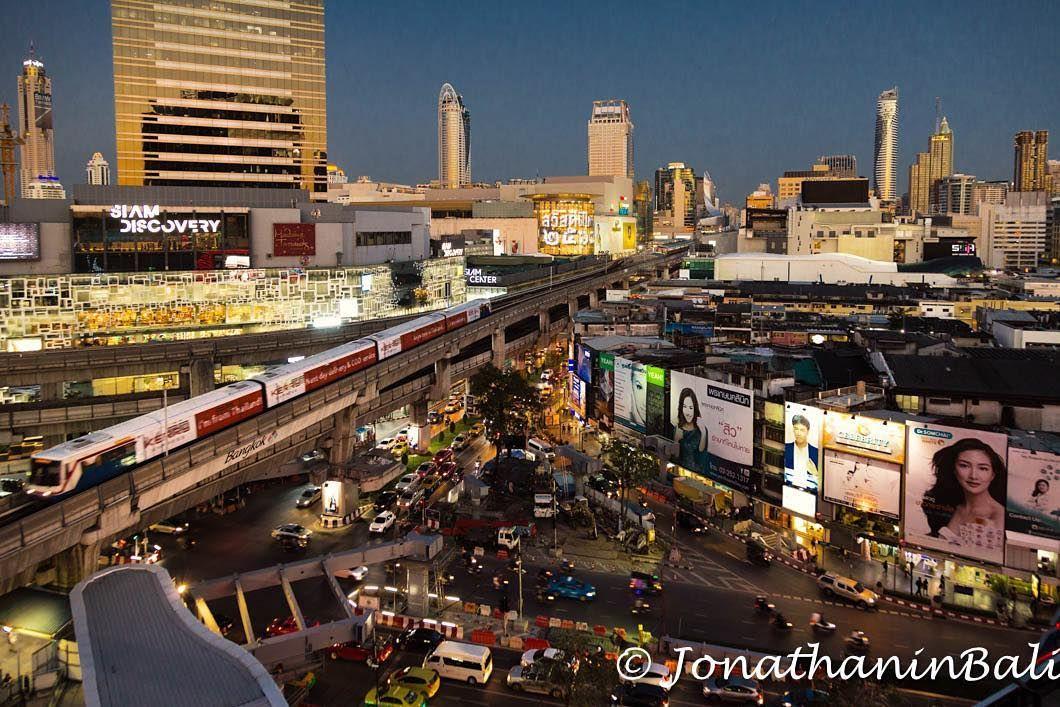 Downtown Bangkok Thailand  #worldtraveler #jonathaninbali #www.murnis.com #travelphotography #traveler #lonelyplanet #travel #travelingram #travels #travelling #traveling #instatravel #asian #photo #photograph #outdoor #travelphoto #exploretocreate #createexplore #exploringtheglobe #theglobewanderer #mytinyatlas #planetdiscovery #roamtheplanet #bangkok #bangkokstuff #thailand_allshots #nightphotography #cityscape