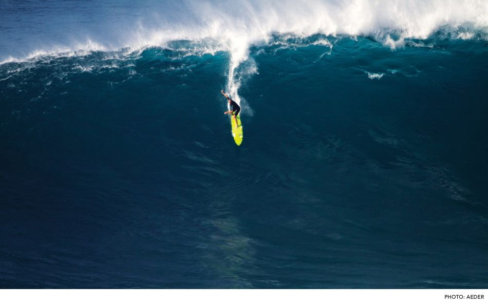 The Boys Club Of Big Wave Surfing With Images Surfing Big Wave Surfing Big Waves
