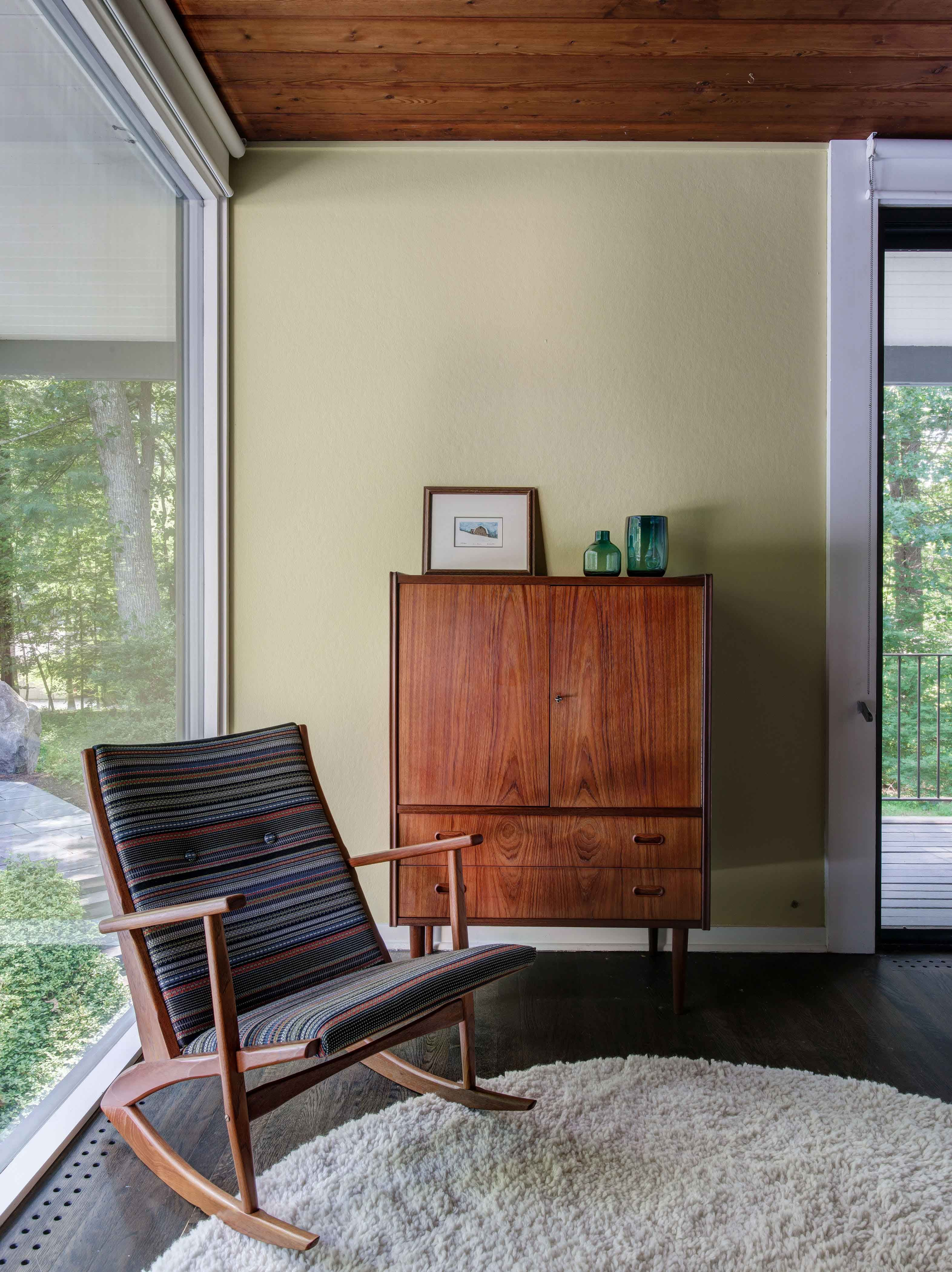 A Lovingly Restored Mid-Century House For Sale In New Canaan. The ...
