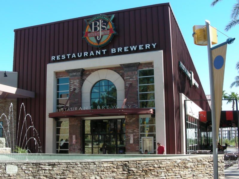 Bj S Restaurant And Brewery In Chandler Az Getting One Here In