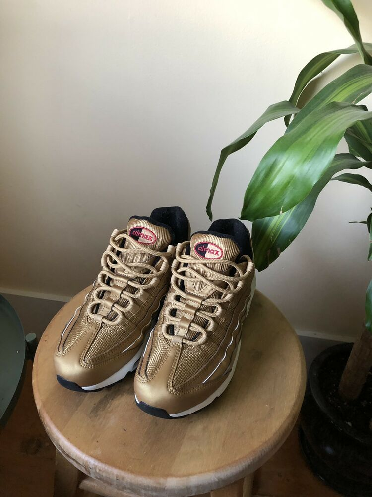 premium selection f9895 2c041 Womens Nike Air Max 95 QS GOLD SIZE 8 brand new with box ...