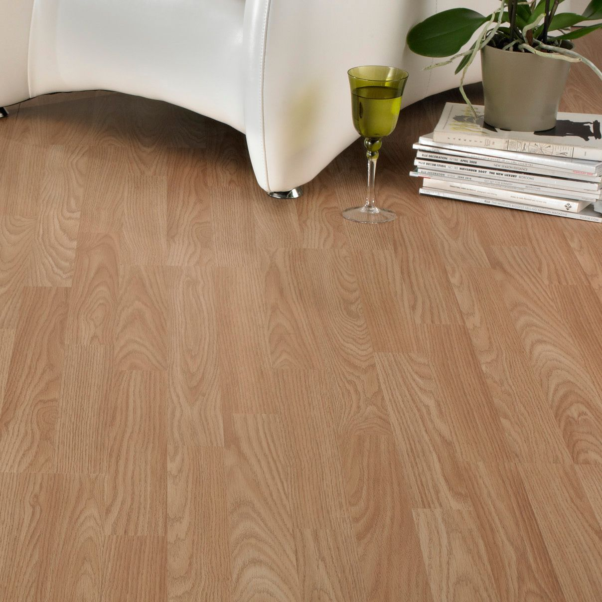 b q oak effect 3 strip laminate flooring 3 m. Black Bedroom Furniture Sets. Home Design Ideas