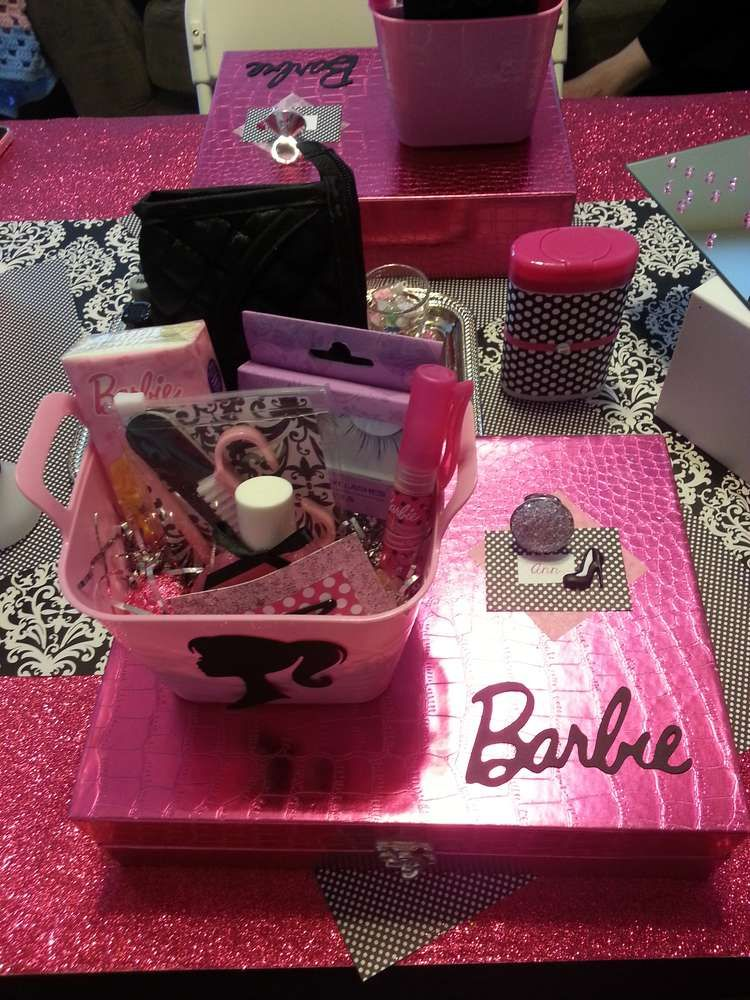 Barbie Glam Birthday Party Ideas | Photo 6 of 15 | Catch My Party