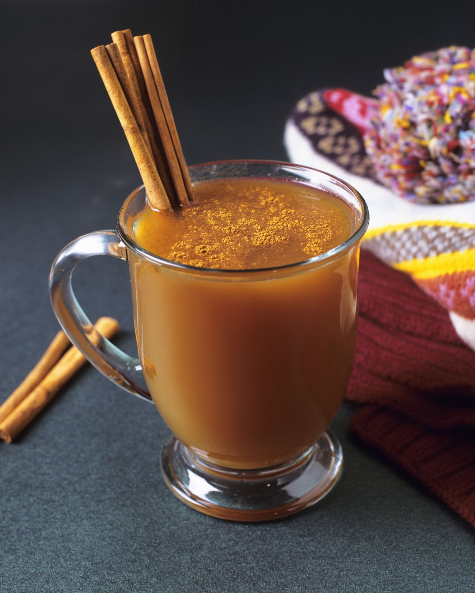 Cheers To Fall-inspired Cocktails That Keep Our Tummies
