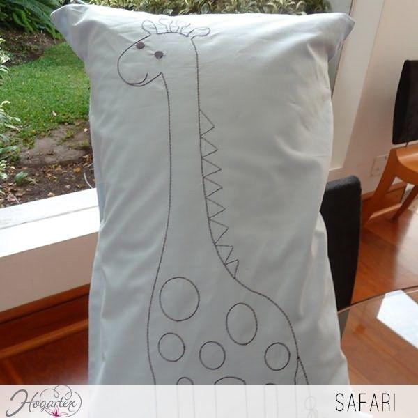 Cojn Safari Cojn para nios con bordado de jirafa