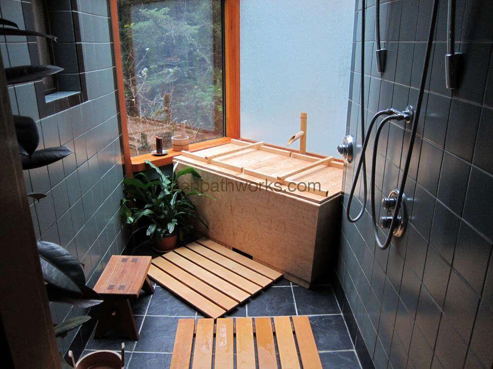 Deep Soaking Tub This Is A Traditional Japanese Ofuro Tub Made With Aromatic Hinoki Wood Bamboo Filler Teak Deep Soaking Tub Indoor Hot Tub Soaking Tub