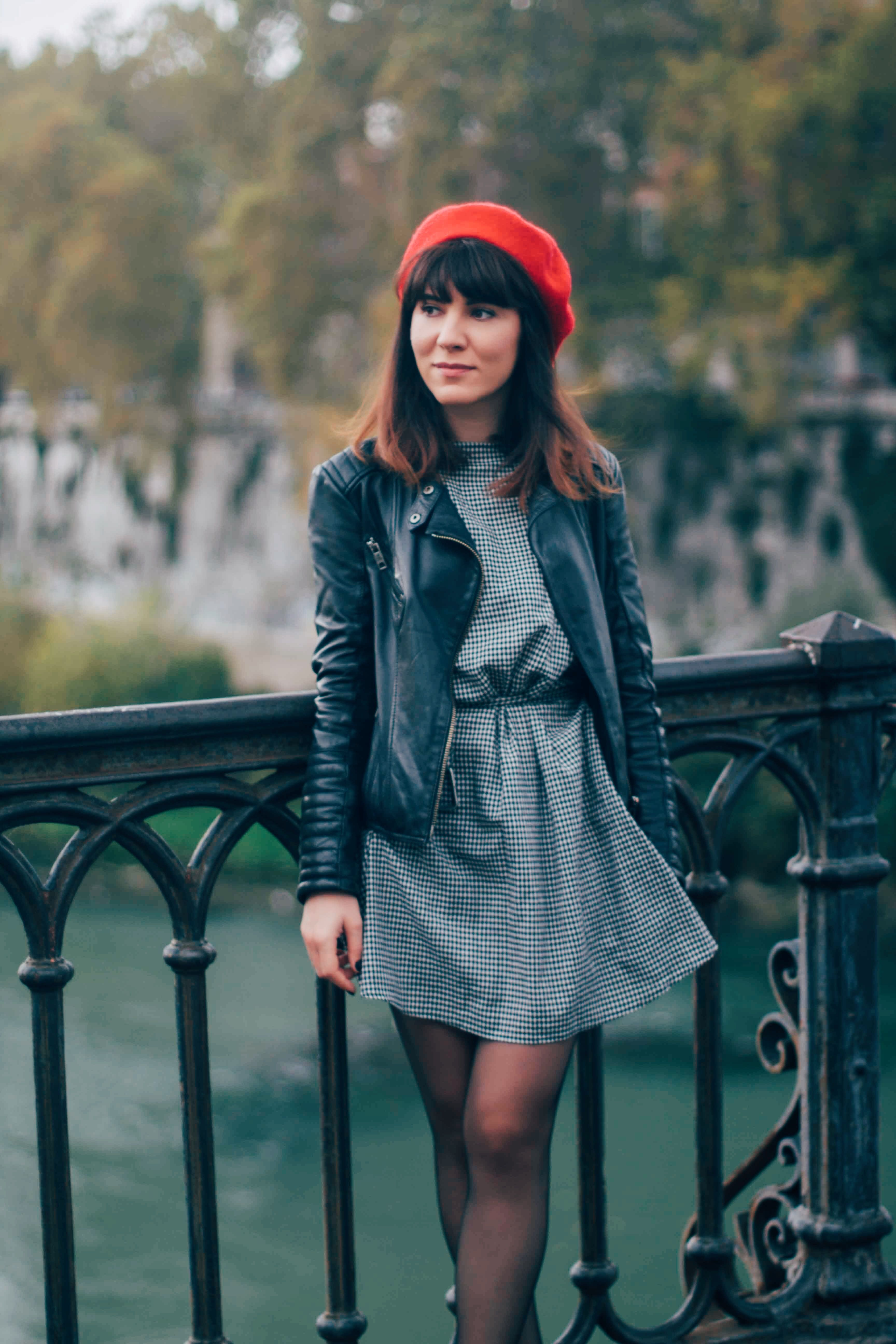 Fall style/ What to wear in a city break/ Red beret/outfit