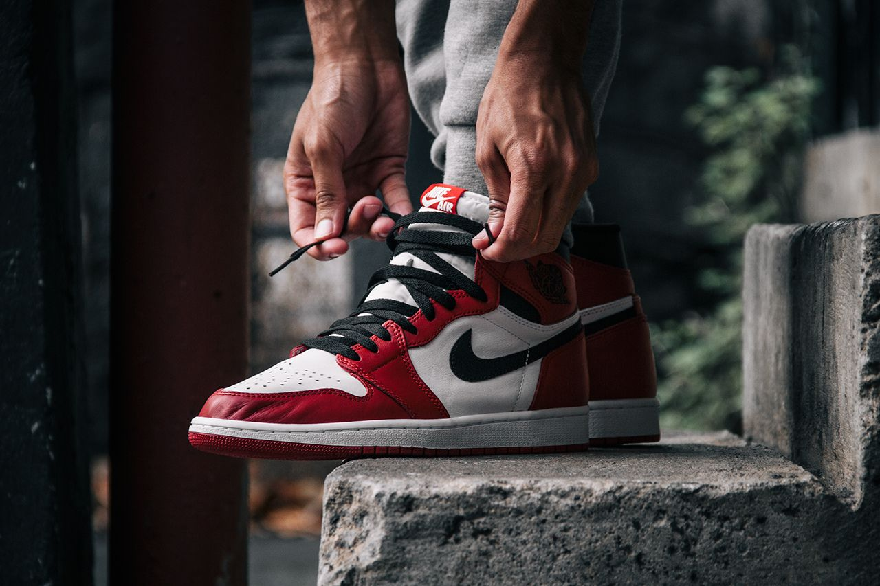 Air Jordan 1 Retro High Og A œchicago Detailed Pictures Eu Kicks Sneaker Magazine Air Jordans Nike Shoes Air Max Sneakers