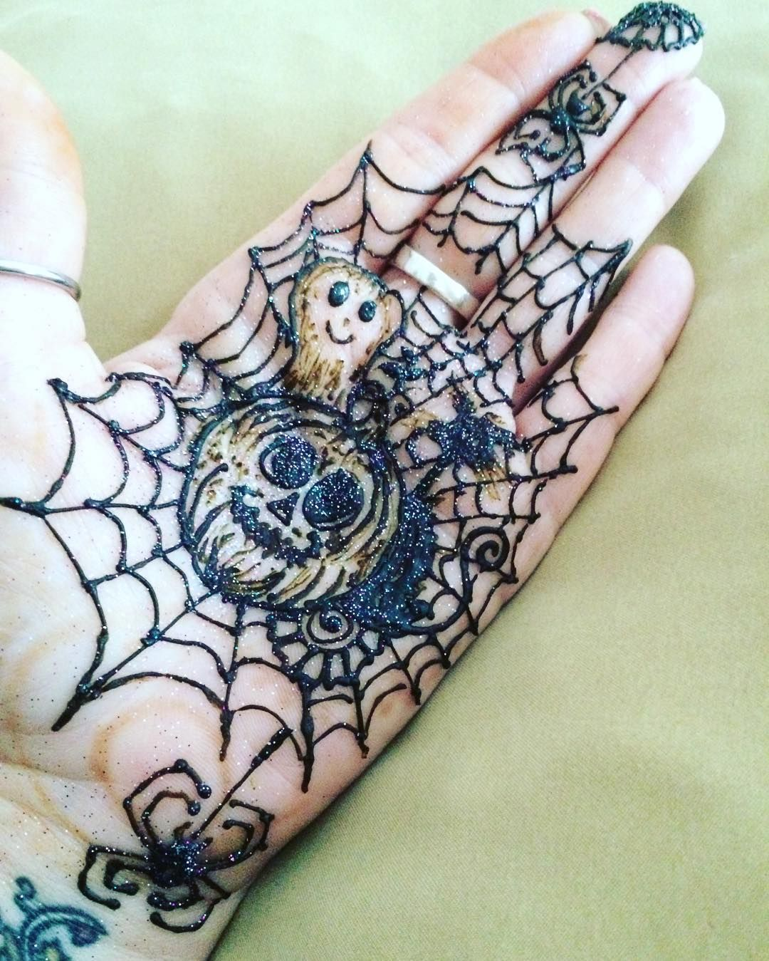 Messing Around With Halloween Henna Designs What Do You Guys Think Fall Henna Tattoo Hand Mehndi Designs Simple Mehndi Designs
