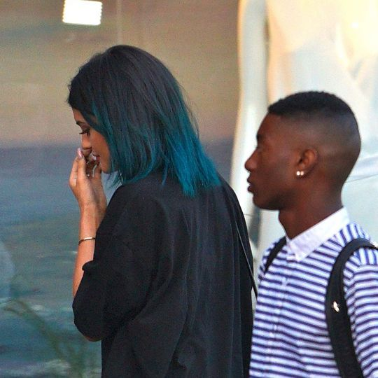 Kylie Jenner Tweaked Her Hair Color You Like Colored Hair Tips Blue Black Hair Kylie Jenner Hair