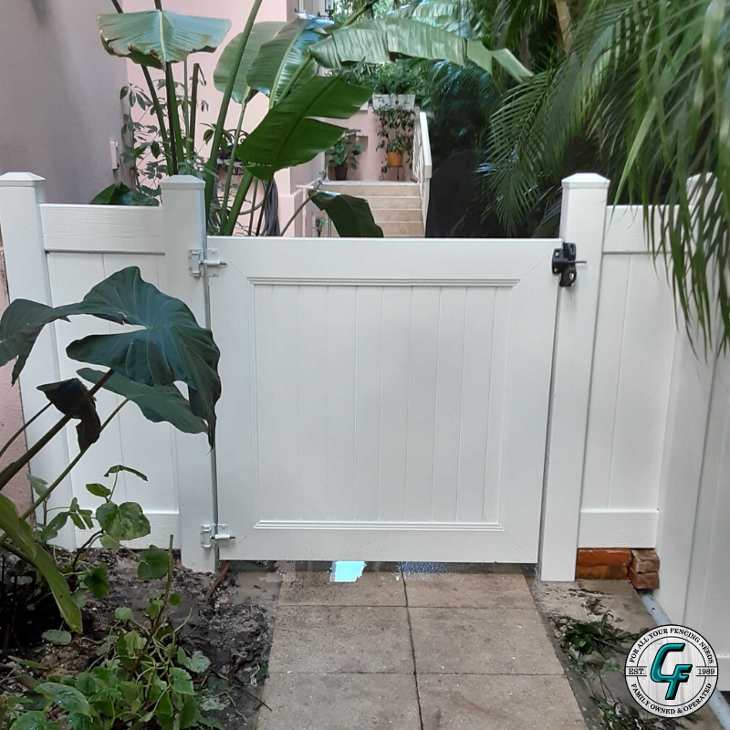 White Vinyl Gate Great Install Pvc Pvcfence Privacyfence