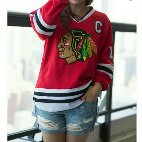 Youth XL Chicago blawkhawks hockey Jersey. The label size reads youtj  xlarge- Fits women s size medium  large. I love this Jersey I personally  own one ... 61580407724