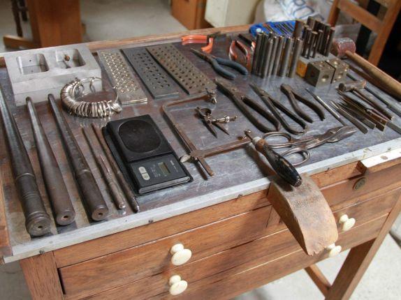 Mesa de joyero medidas buscar con google herramientas for Mesa herramientas