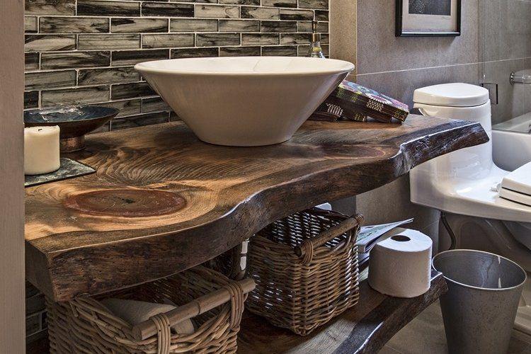 Plan Vasque Bois Brut Dans La Salle De Toilette Osez Le Style Live Edge Plan Vasque Salle De Bain Exotique Salle De Bain Jungle