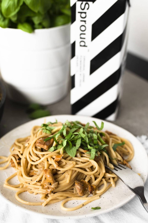 Vegan Chanterelle Pasta Dinner Recipe In 2020 Vegetarian Vegan Recipes Pasta Dinner Recipes Aesthetic Food