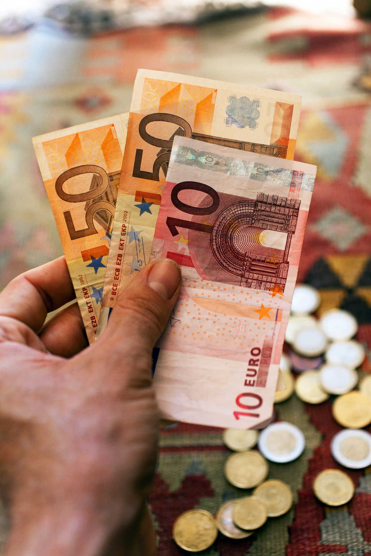 Information about euros while 17 countries in europe have