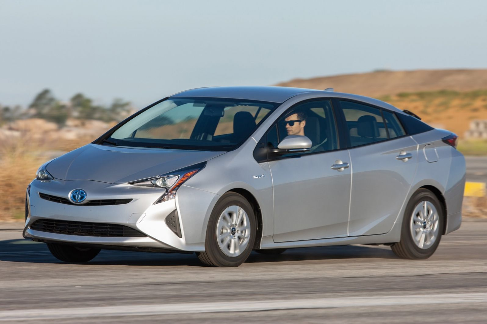 16 Hybrids And Electric Cars Hybrid Cars Best Gas Mileage