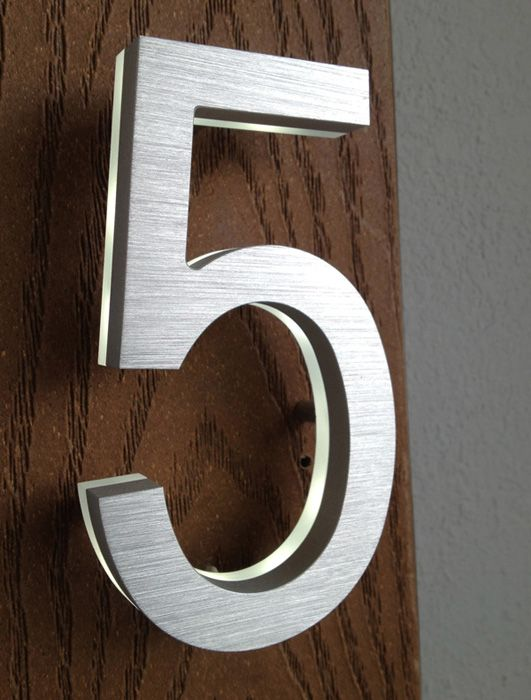 5 Modern House Numbers