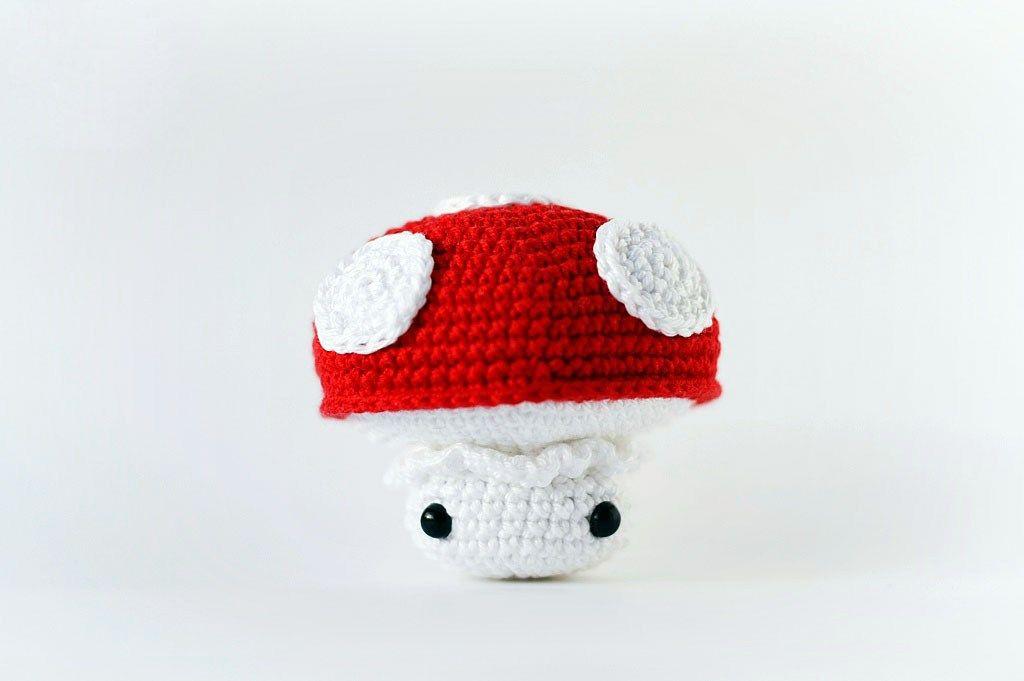 Free crochet mushroom pattern