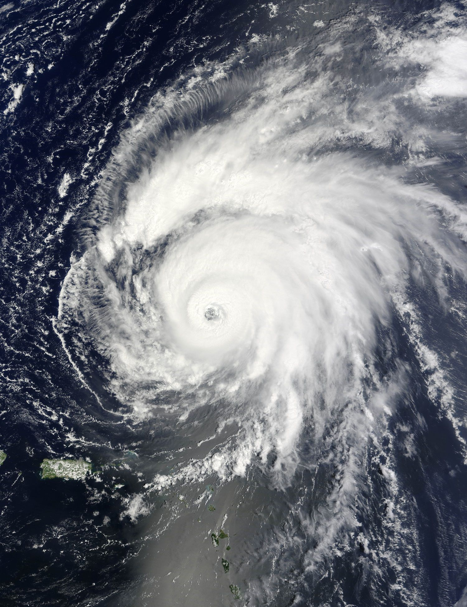 Hurricane Bill By Jeff Schmaltz Via Wired Hurricane Bill Was A Large Atlantic Tropical Cyclone That Wrought Minor Damage Mere Nature Images Basse Californie