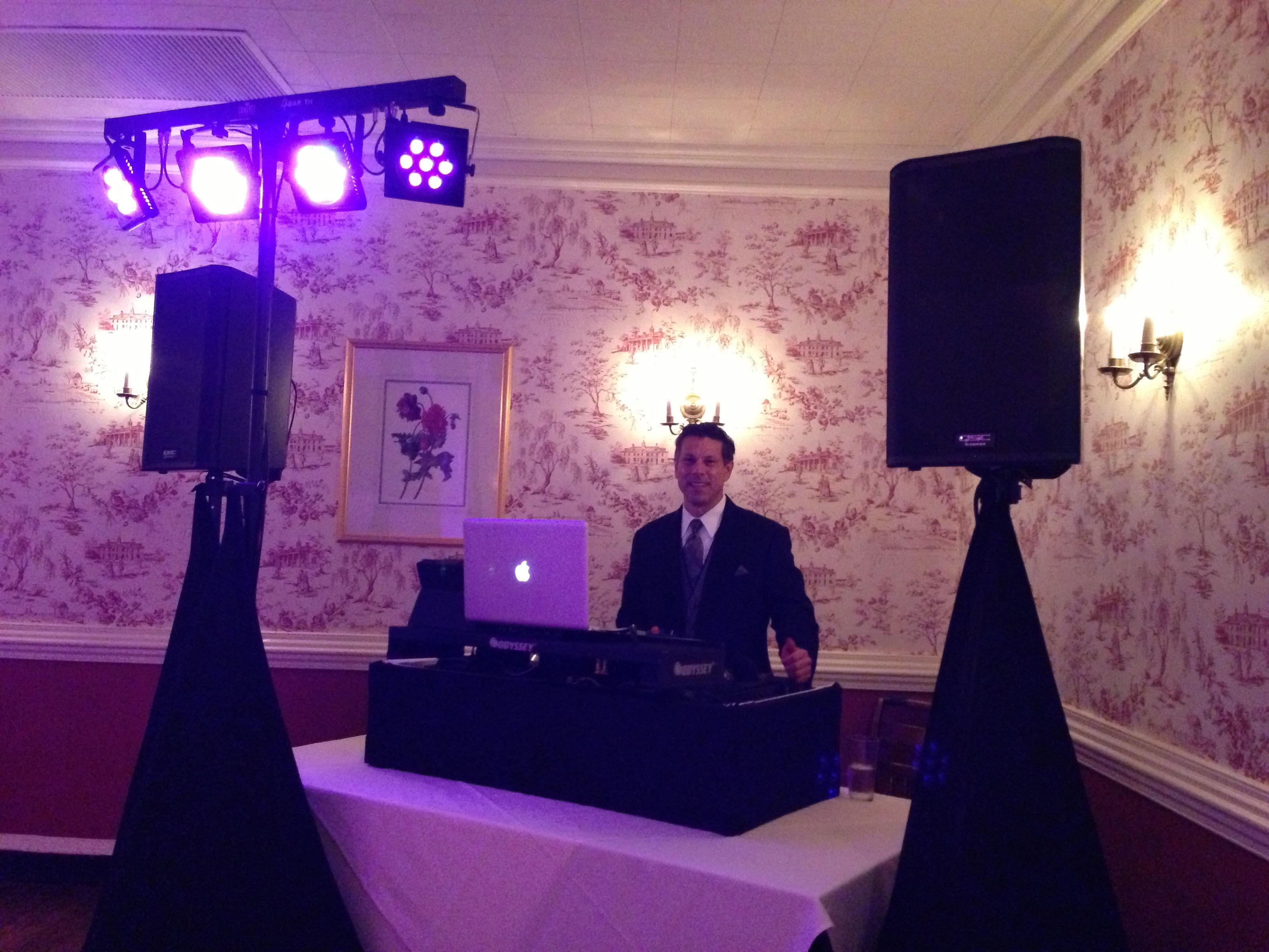 Good times this weekend DJing and MCing a wedding reception at the Mount Vernon Inn Restaurant, Alexandria, VA.