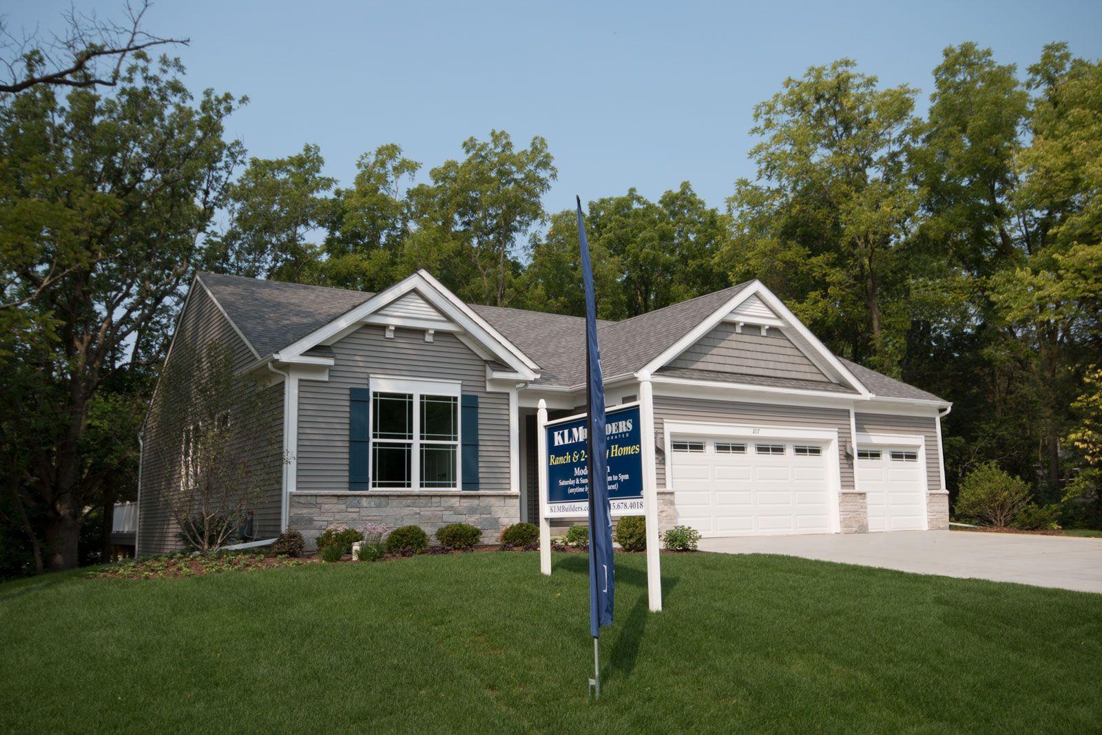 Whispering Oaks Community In Twin Lakes Wisconsin By Klm Builders Twin Lakes Wisconsin Twin Lakes House Design
