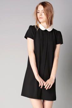 96d64a47d80 BY MONSHOWROOM Robe noire col claudine