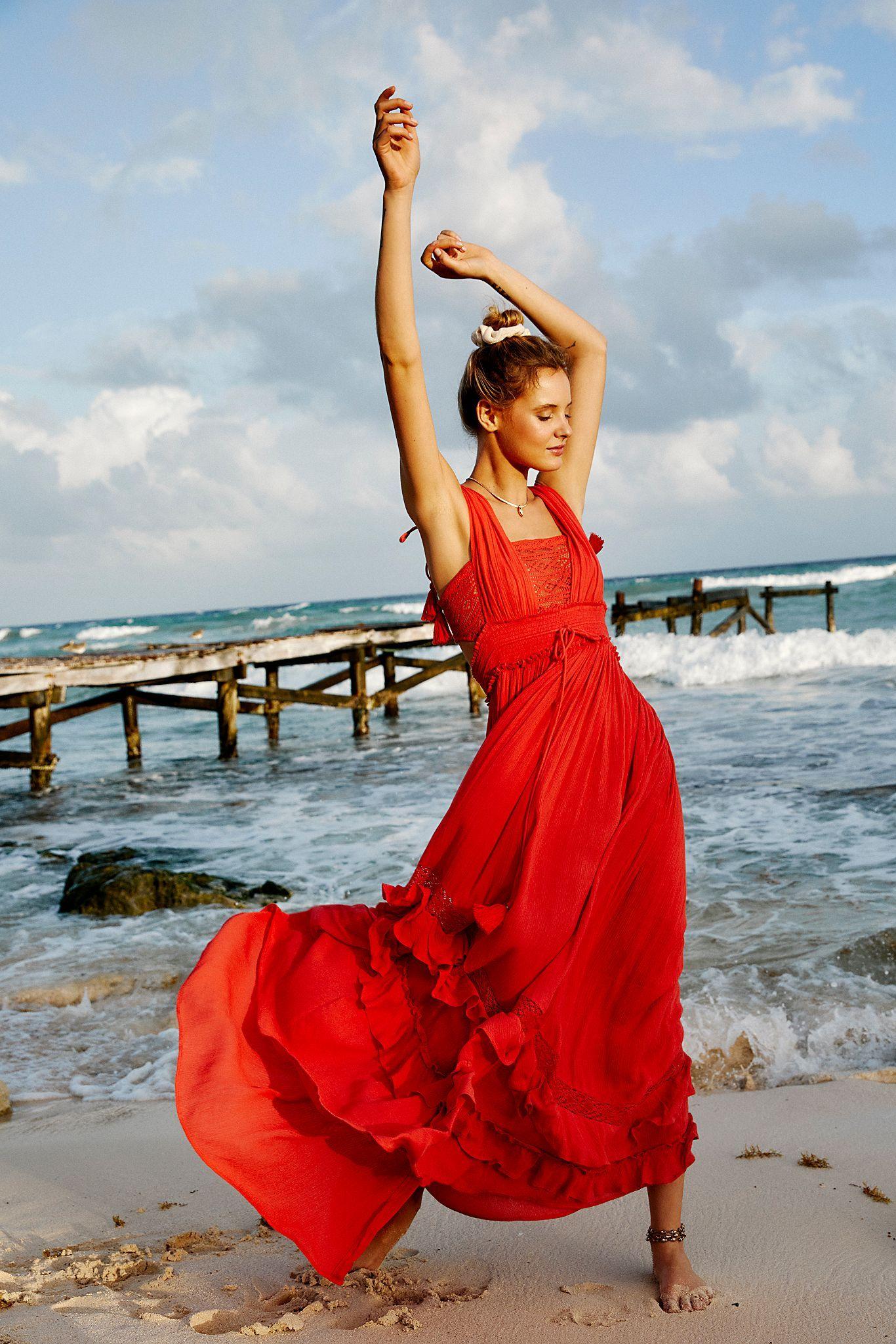 Santa Maria Maxi Dress Maxi Dress Maxi Dress Summer Beach Lace Maxi Dress [ 2049 x 1366 Pixel ]