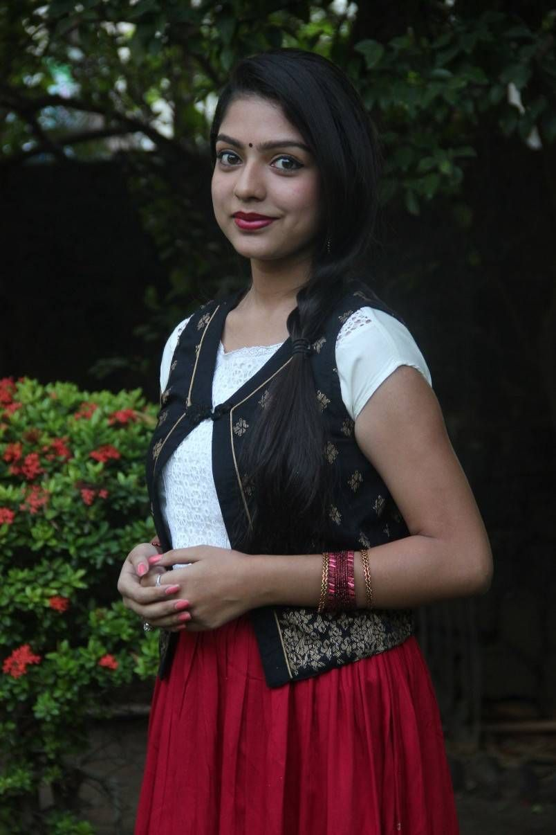 hq pics n galleries !!: varsha latest stills at sathuran movie audio
