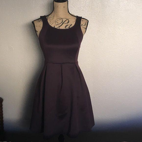 Express Purple Bonded Criss Cross Dress Never worn 6096d15ca