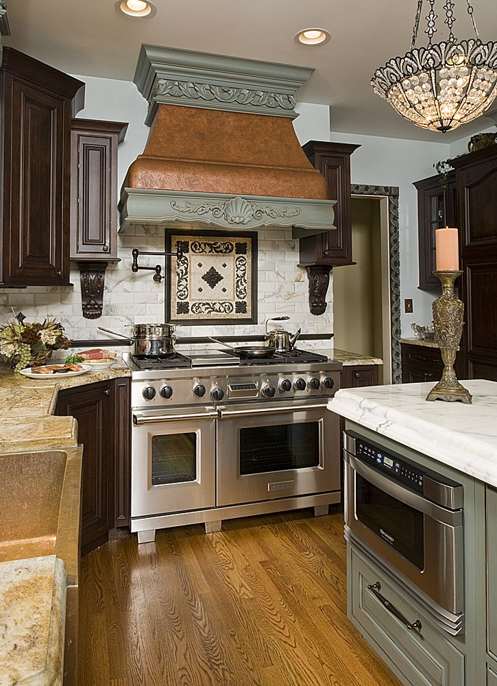 Copper Hood And 48 Wolf Range Kitchen Decor Kitchen Remodel Copper Oven Hoods