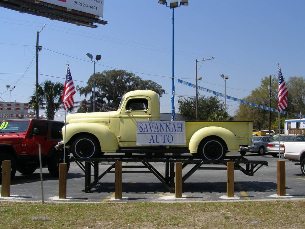 or butter yellow Savannah chat, Antique cars, Trucks