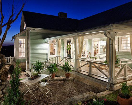 Renovated 1800s Farmhouse In Austin Back Porch Designs Porch