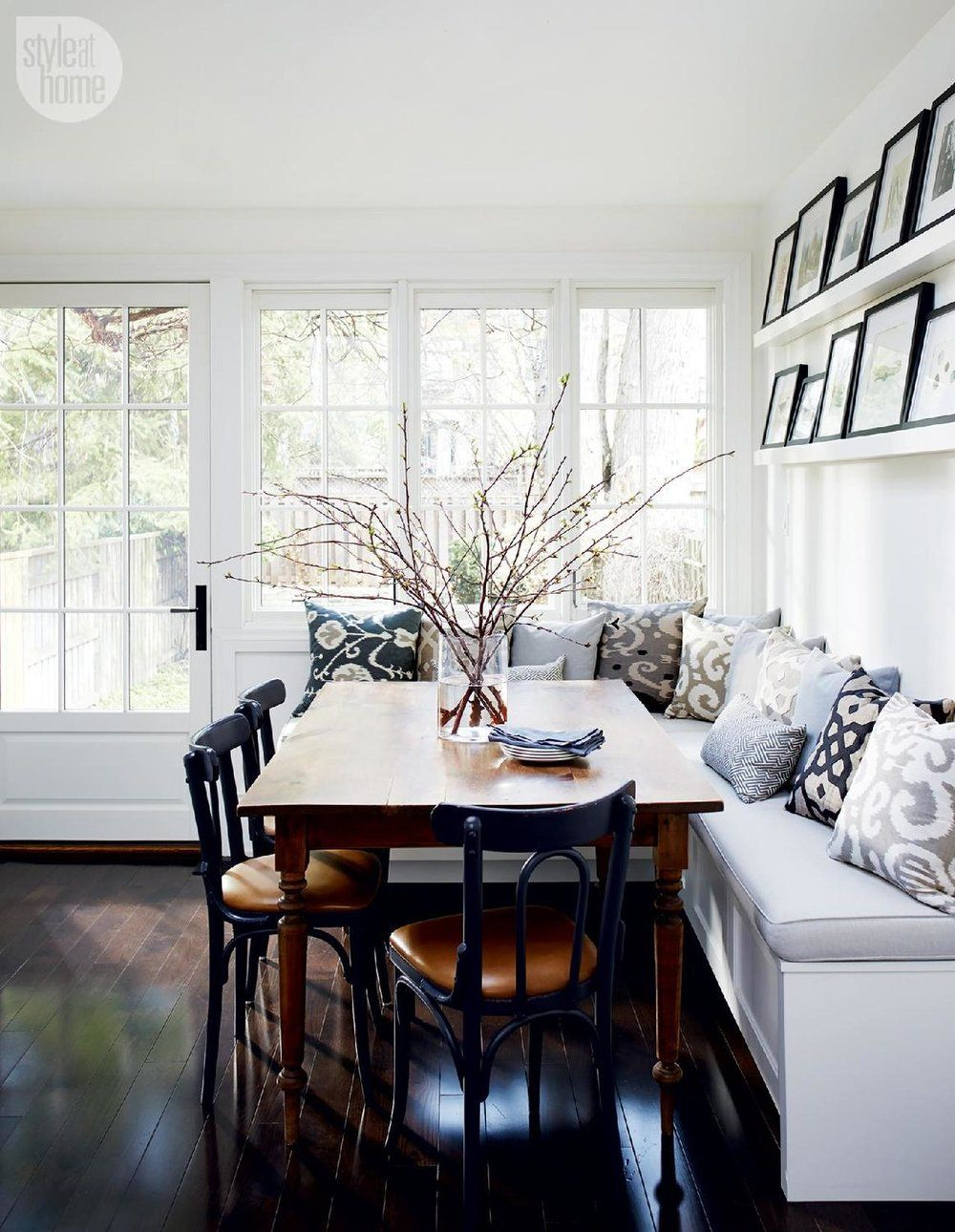 Small Home Style Three Design Ideas For Modern Banquette Dining Katrina Blair Interior Design Small Home Style Modern Livingkatrina Blair In 2020 Dining Room Design Dining Nook Banquette Seating