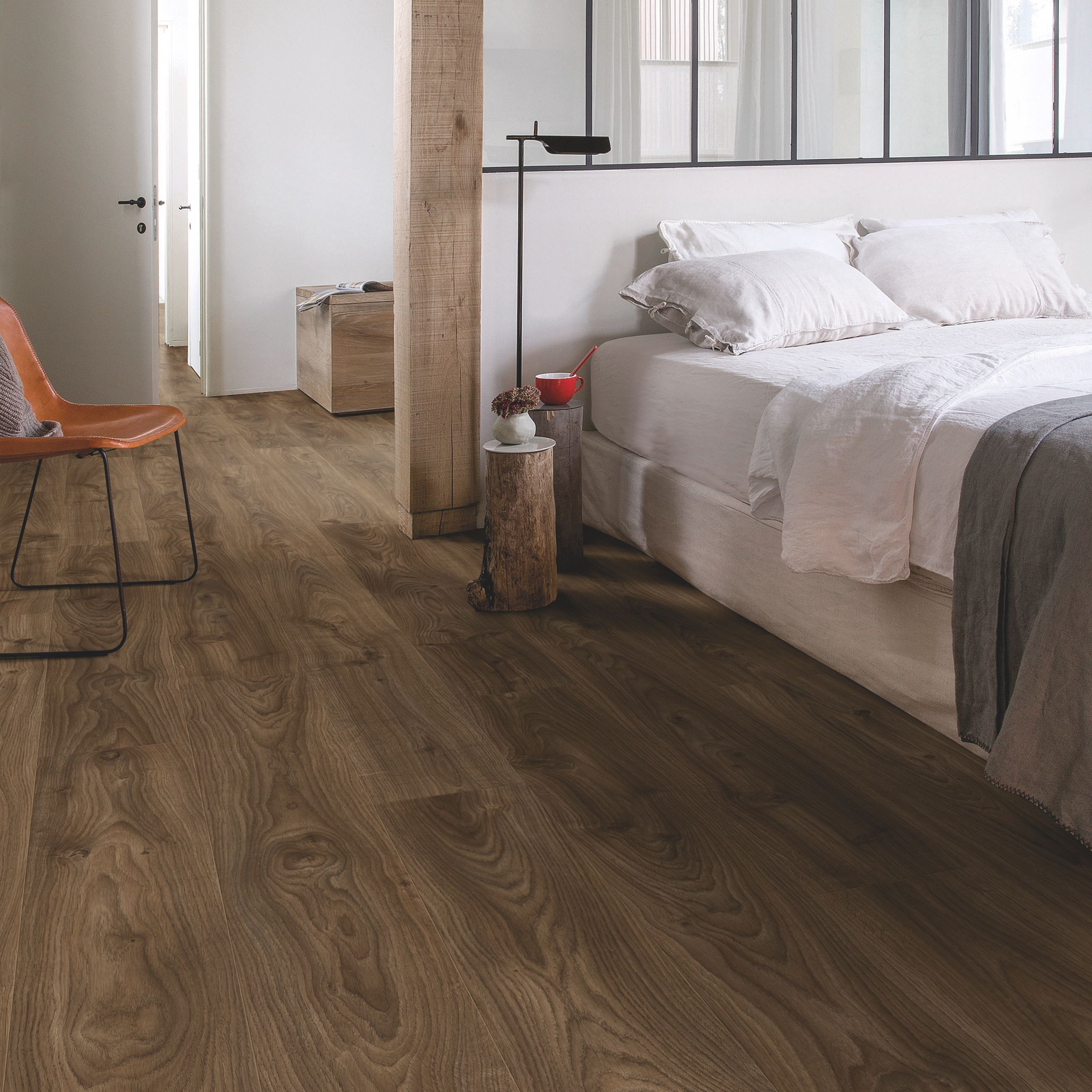 Step paso continental oak effect waterproof luxury vinyl flooring quick step paso continental oak effect waterproof luxury vinyl flooring tile m pack bq for all your home and garden supplies and advice on all the dailygadgetfo Choice Image