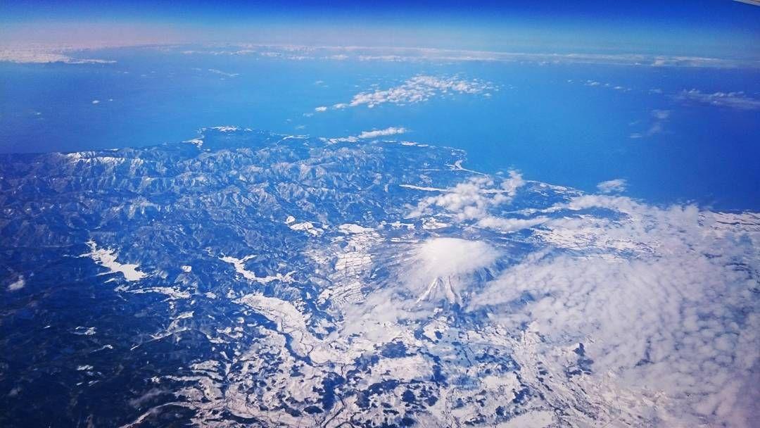 大阪出張を終え #新千歳 へ 上空から #世界遺産 が見えた #白神山地 と ...