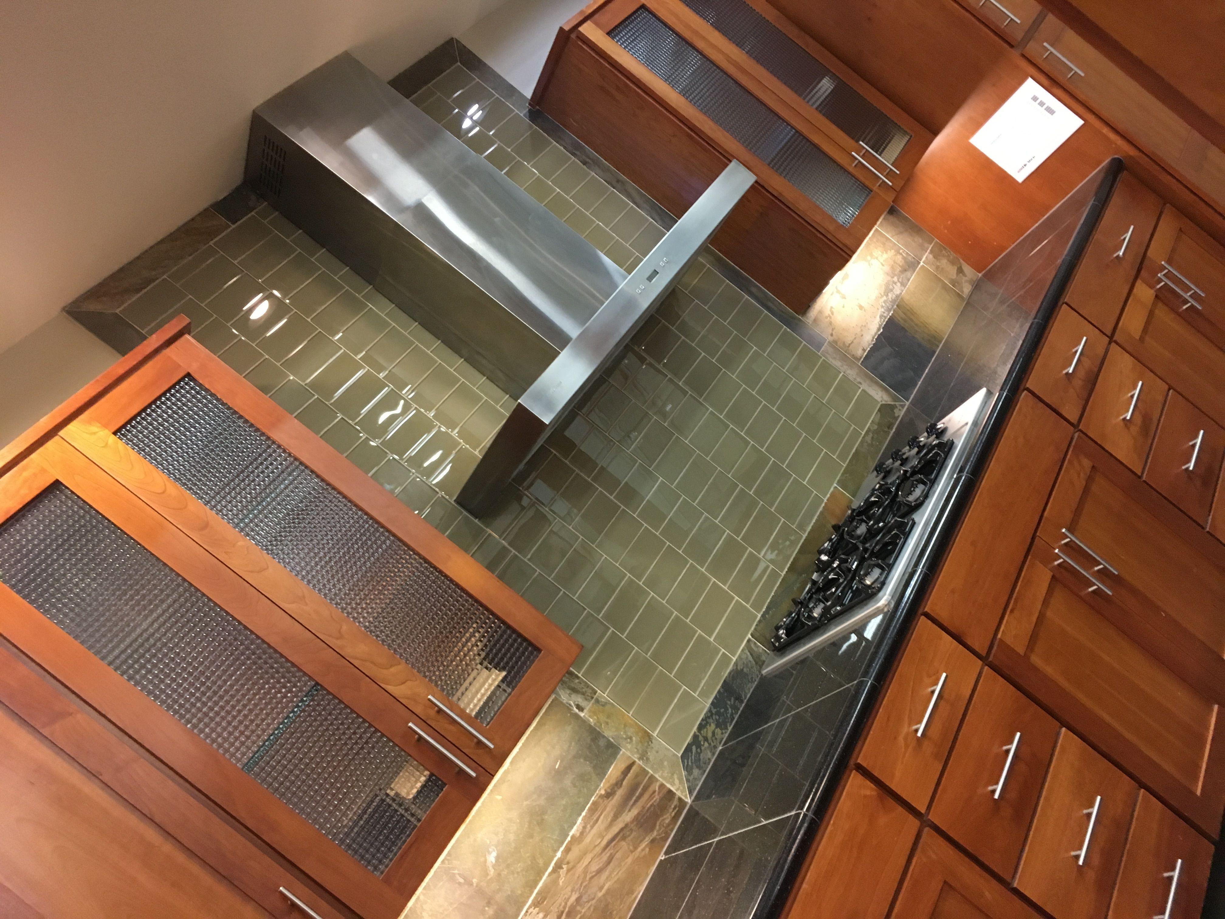 Pin By Yuri Moreland On Kitchen Flooring Kitchen Tile Floor