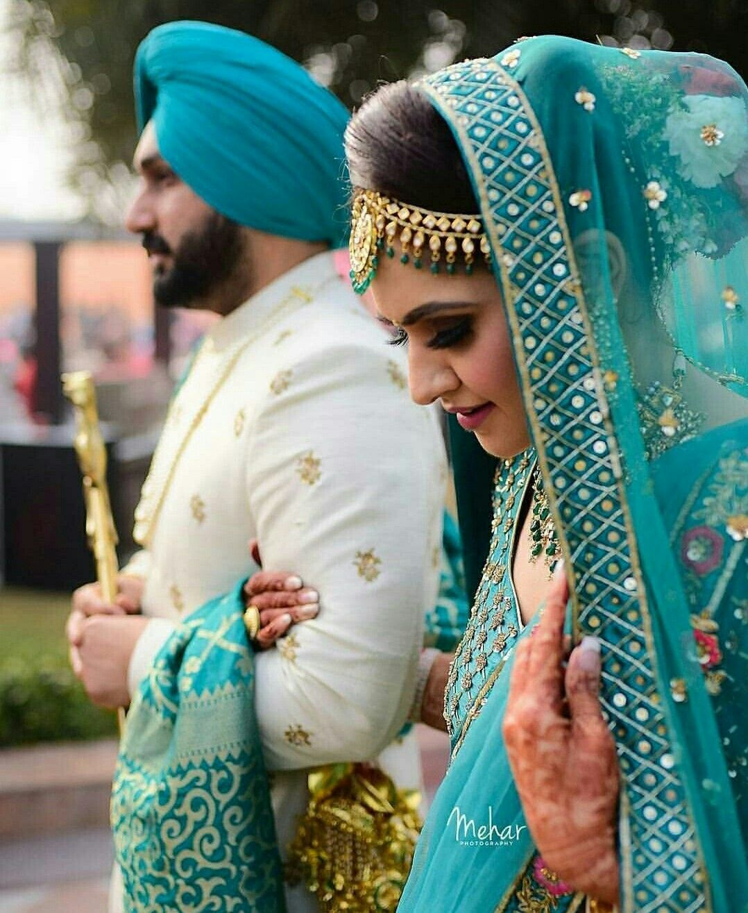 Pin By Tina Carter On Punjabi Groom Nd Bride In 2020 Couple Wedding Dress Indian Bridal Outfits Indian Wedding Outfits