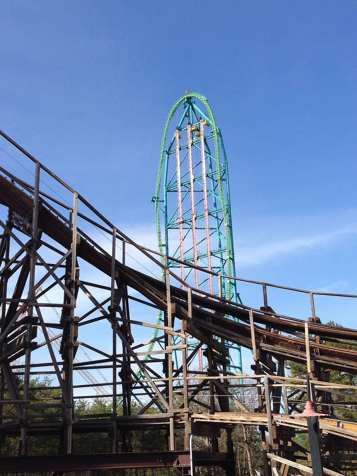 Zumanjaro Drop Of Doom Wikipedia Six Flags Great Adventure Roller Coaster Riders On The Storm
