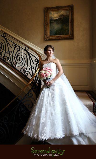 Houston Wedding photographer, houston outdoor bridal portrait photography session, Houston indoor bridal portrait, private residence portrait #bridalportraitposes