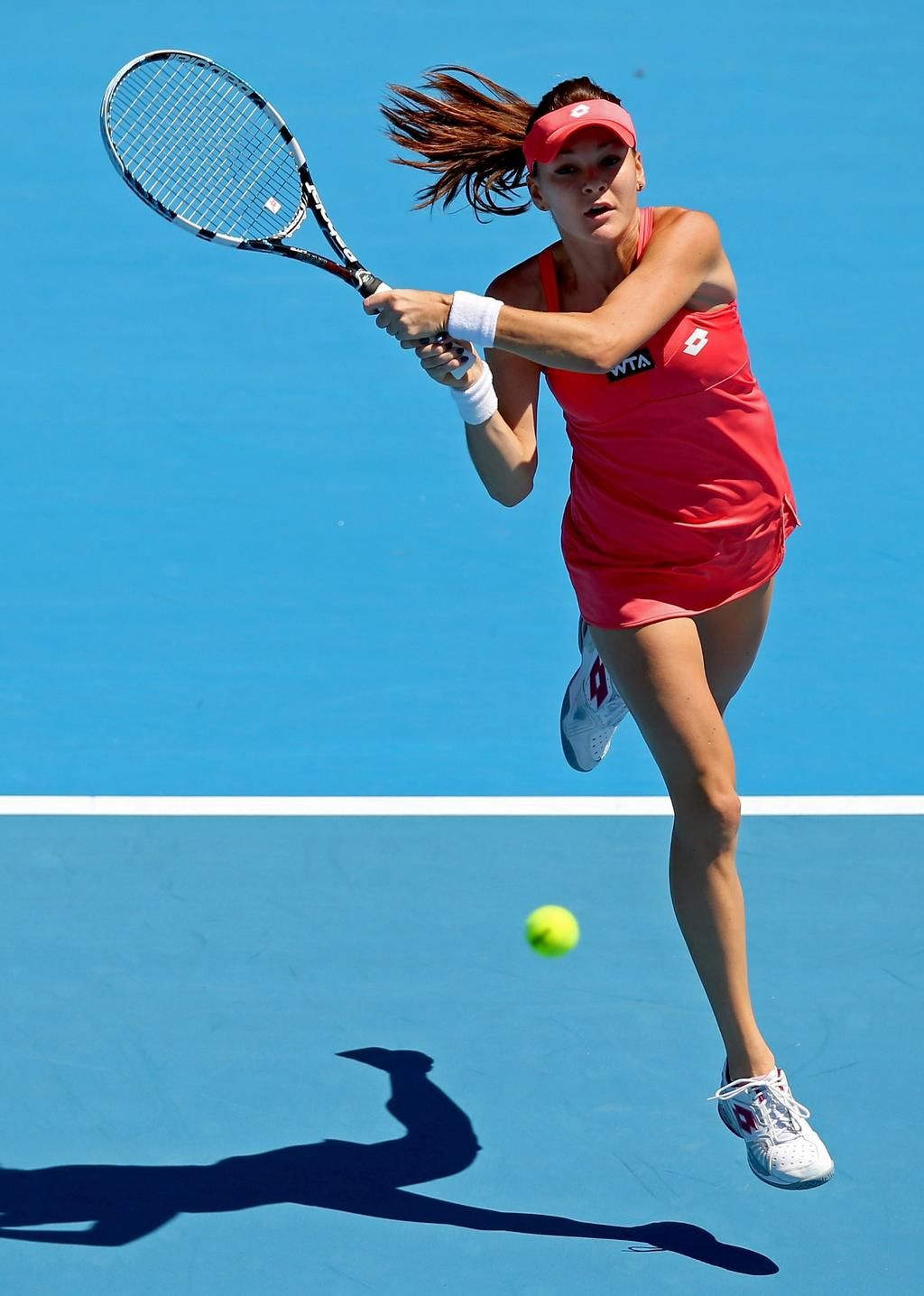 Radwanska wins the title over Wickmayer in Auckland to start the season.