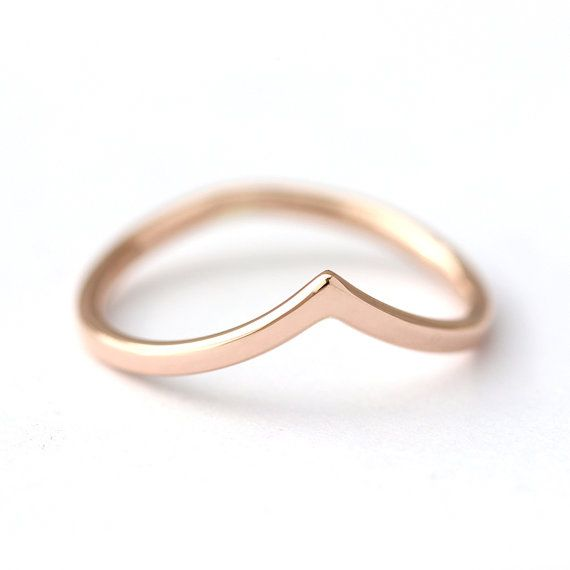 Curved Wedding Band, Rose Gold Band, Delicate Gold Band, Chevron Wedding Ring, Stackable Wedding Ring, Wedding Bands Women, V Shaped Band #weddingrings