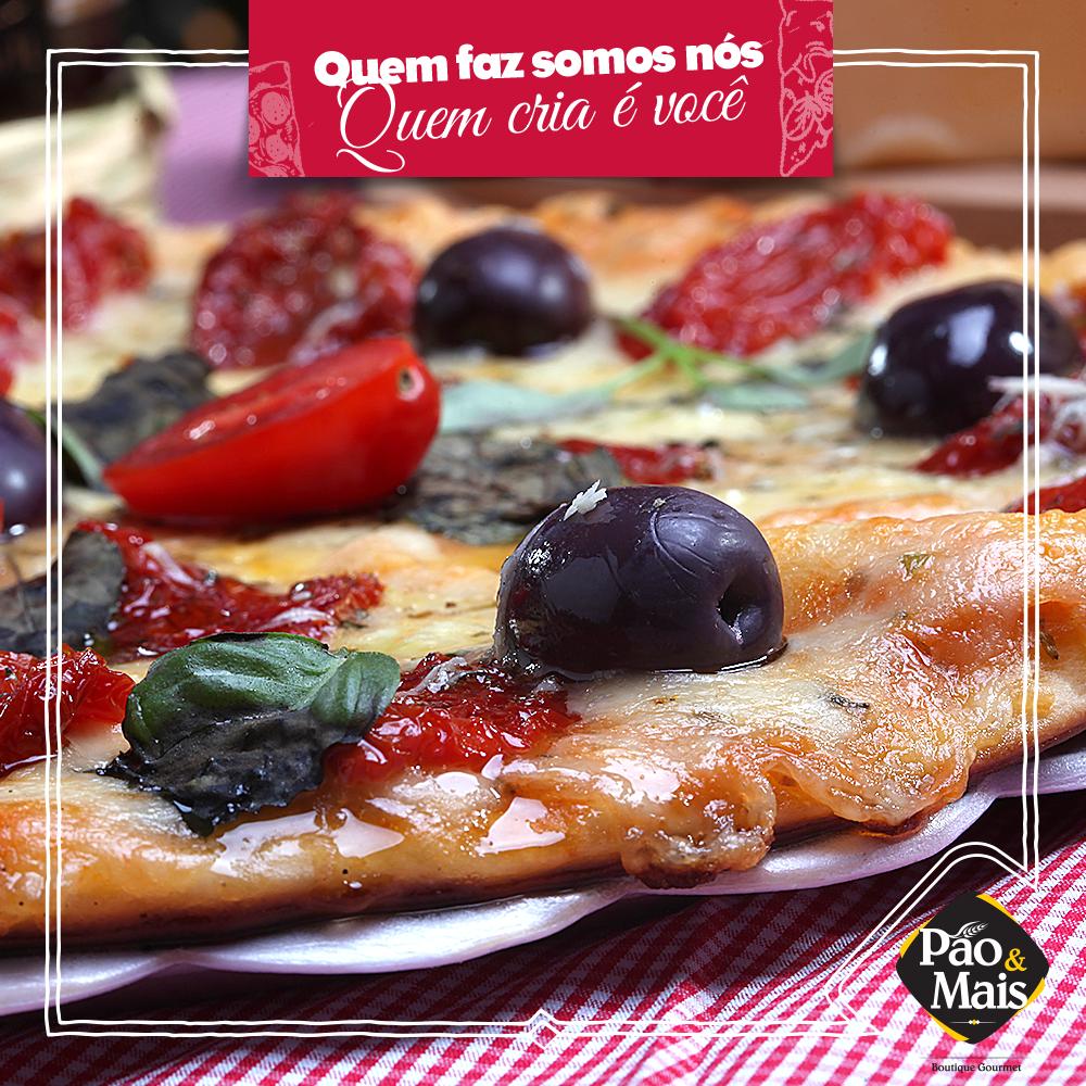 Domingo e Pizza são quase sinônimos. Passe na Pão e Mais e monte a pizza do jeito que você quiser!