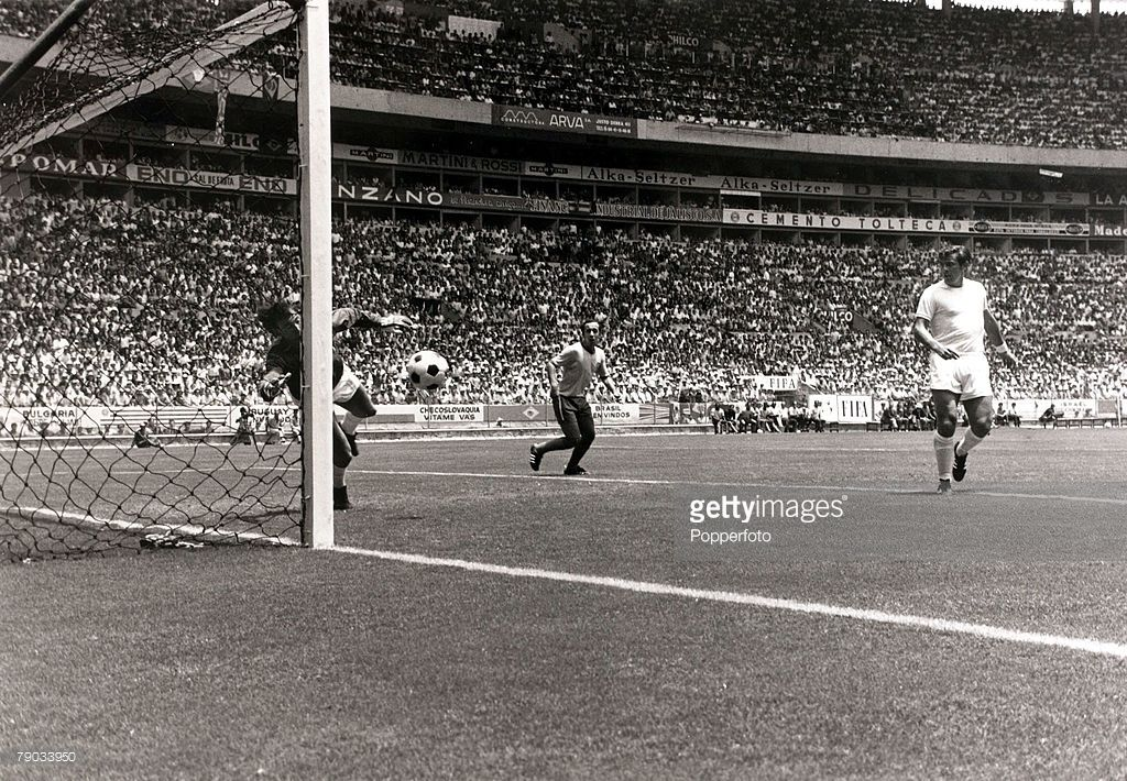 Sport, Football, 1970 World Cup Finals, Guadalajara, Mexico, 7th June 1970, Group 3, Brazil 1 v England 0, England goalkeeper <a gi-track='captionPersonalityLinkClicked' href=/galleries/search?phrase=Gordon+Banks&family=editorial&specificpeople=215465 ng-click='$event.stopPropagation()'>Gordon Banks</a> dives to make his incredible save to stop a goalbound header from Brazil's Pele (out of shot) finding the net, his quick reactions pushed the ball down and it ended up clearing the crossbar…