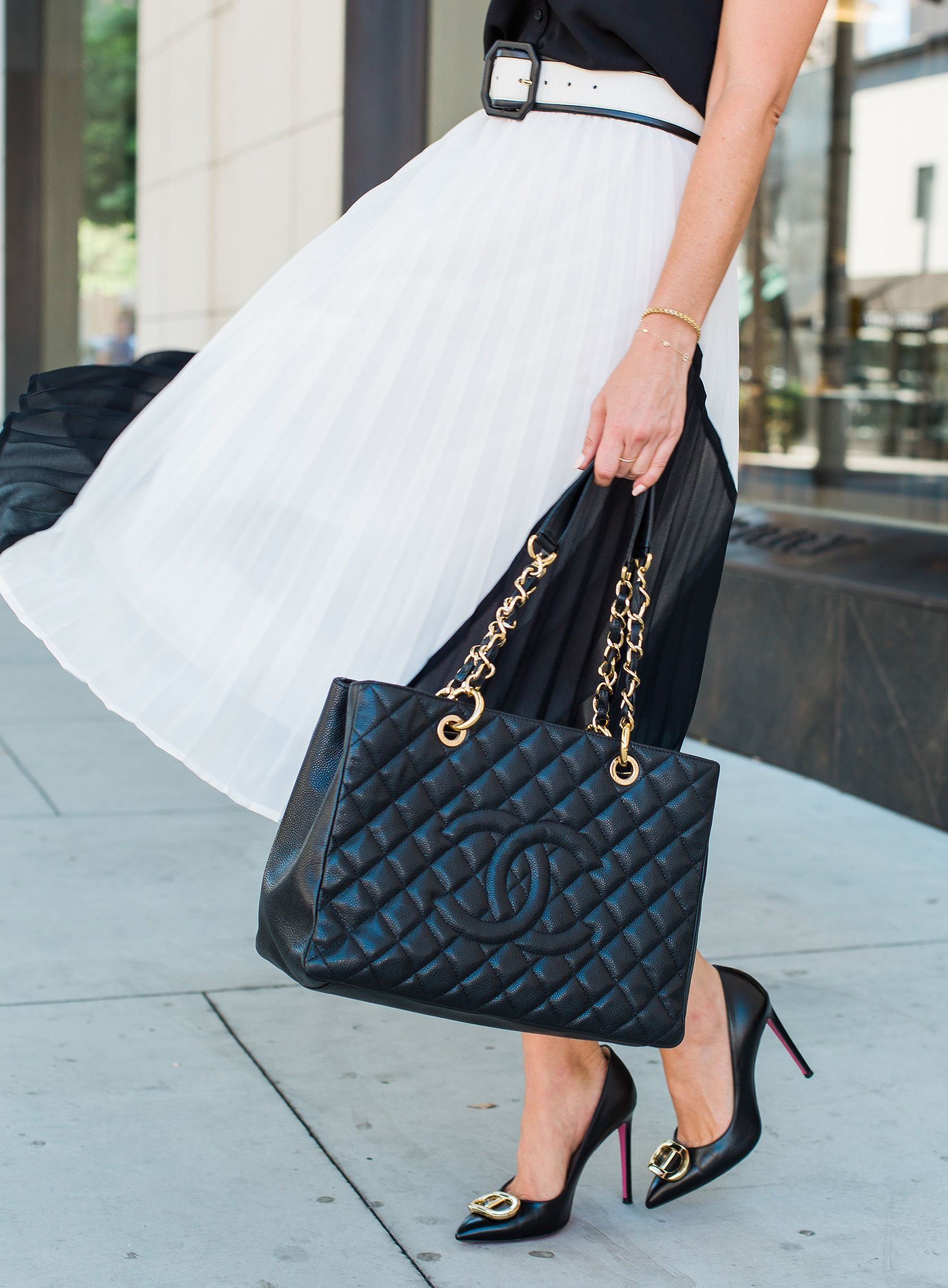 2b01c8e848f4 Sydne Style reviews chanel gst black bag for classic handbags  #blackandwhite #skirts #chanel #chanelbag