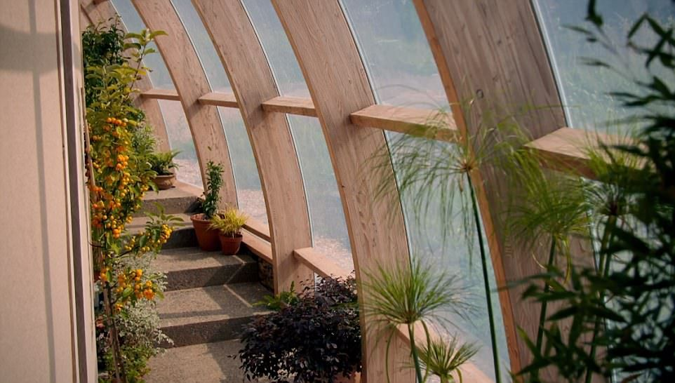 Grand Designs Couple Go Over Budget In Snake Like House Grand Designs Uk Grand Designs Design