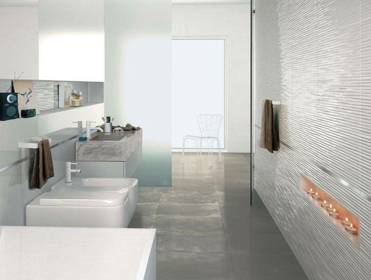 Idée carrelage salle de bain d\'inspiration design