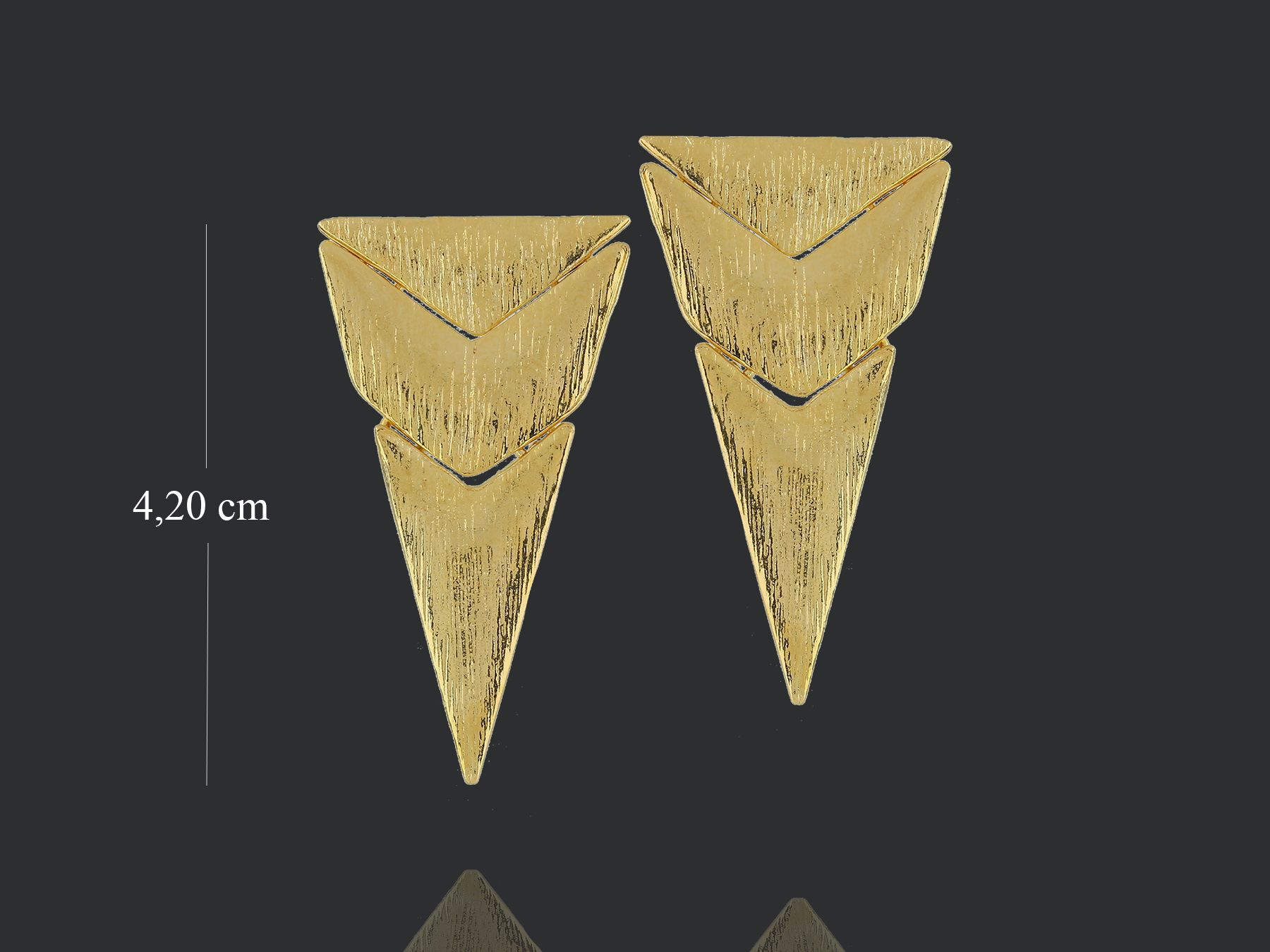 brinco 6444 piramidal escovado na Móveis pra Você